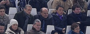 Bersani e Renzi vicini in tribuna