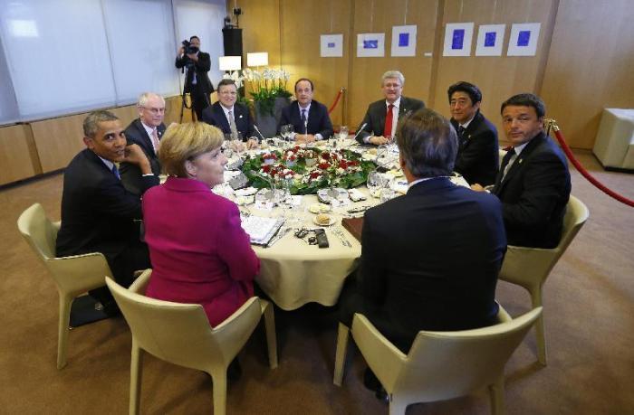 Il Tavolo della cena di ieri sera tra i Grandi della Terra