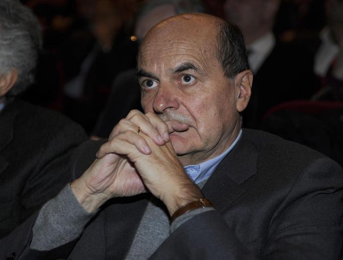 Pier Luigi Bersani, durante la convention organizzata dalla Sinistra Dem al Teatro Vittoria di Roma, 12 dicembre 2015. ANSA/GIORGIO ONORATI